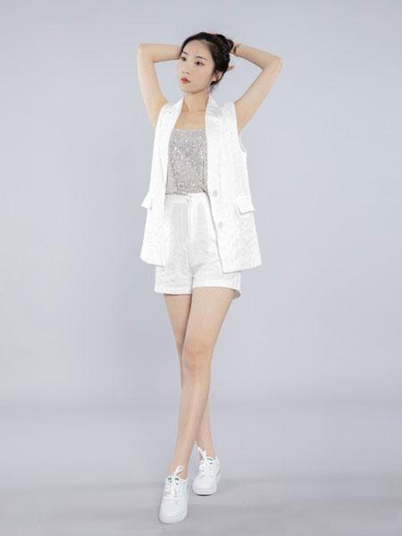 会尼女装品牌2019春夏西装领系带无袖马甲上衣+高腰显瘦短裤套装