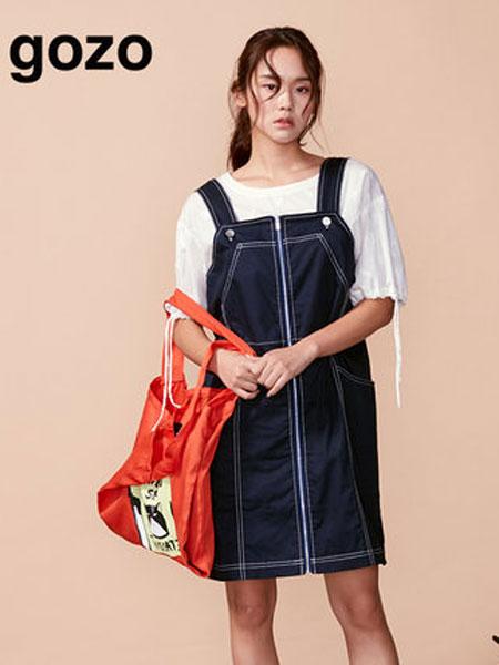 GOZO女装品牌2019春夏新款时尚宽松背带连衣裙
