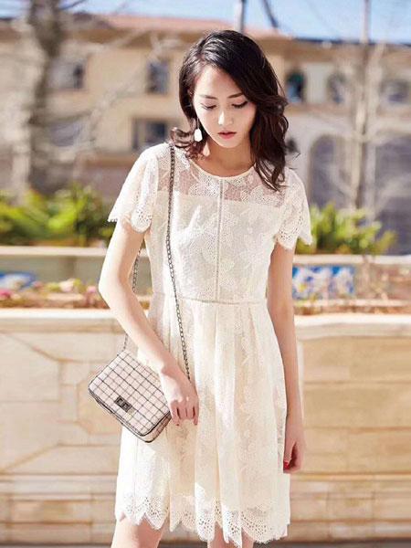 衣佳人女装品牌2019春夏新款夏白色蕾丝连衣裙a字收腰镂空气质超仙