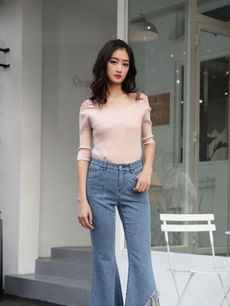延美女装品牌2019春夏新款高端气质 露肩一字领修身显瘦上衣