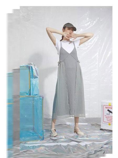 S-Echo女装品牌2019春夏新款甜美文艺学院风系带收腰显瘦吊带时尚连衣裙