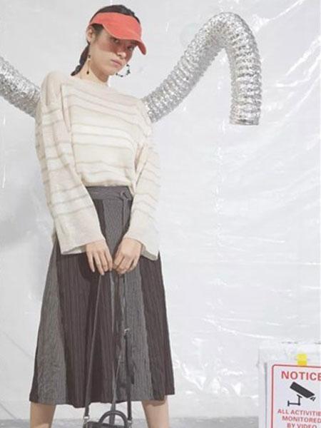 S-Echo女装品牌2019春夏新款英伦风气质复古格子高腰学院咖色中长款百褶裙