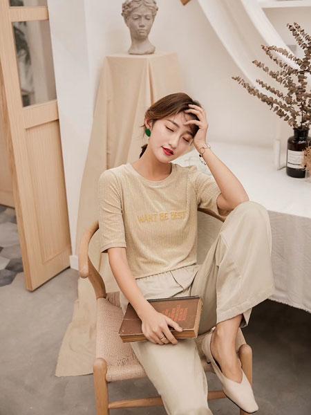 木丝语女装品牌2019春夏简约文艺短袖新款字母印花T恤