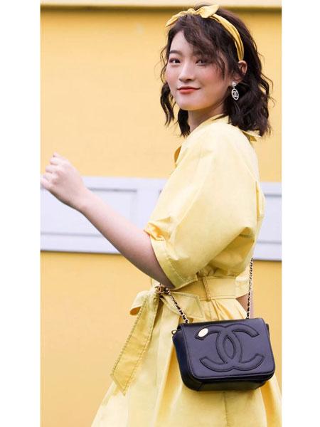 C&M女装品牌2019春夏新款韩版冷淡风收腰有腰带显瘦露肩纯色裙子