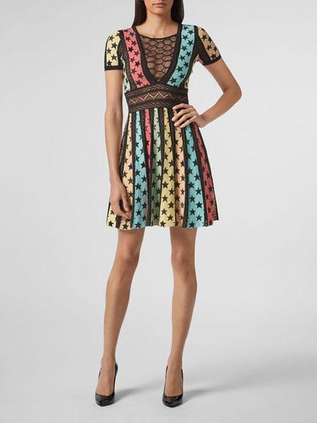 菲利浦・普莱因女装品牌2019春夏新款圆领印花网纹修身短袖连衣裙