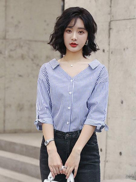 高梵女装品牌2019春夏新款女五分袖休闲上衣韩版宽松V领条纹拼接衬衫