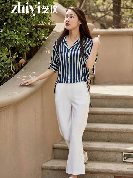 芝仪女装品牌2019春夏新款韩版时尚V领宽松显瘦短款条纹洋气雪纺衫