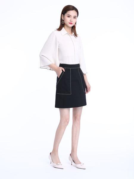 文果怡彩女装品牌2019春夏新款韩版宽松灯笼袖设计感打底上衣