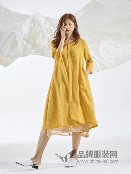 领葳女装品牌2019春季文艺宽松百搭中长款苎麻长袖衬衫