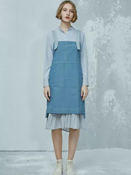 patavinity女装品牌2019春夏新款韩版宽松大码显瘦中长款吊带牛仔裙