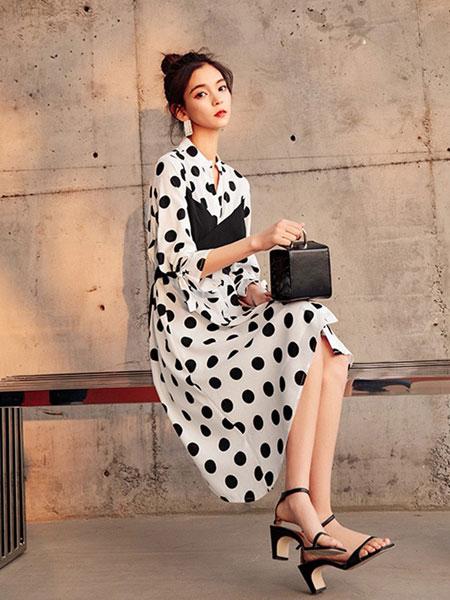 七格格女装品牌2019春夏新款雪纺吊带假两件波点拼接a字裙