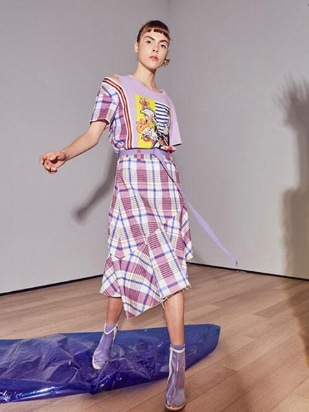贝尔尼尼女装品牌2019春夏新品高腰休闲不规则半身裙