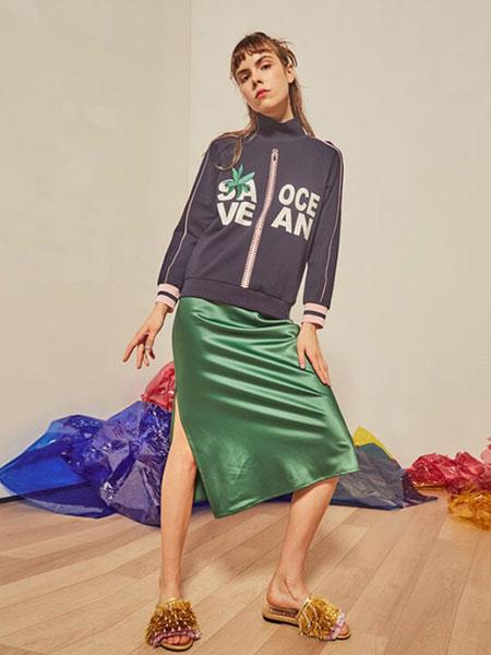 贝尔尼尼女装品牌2019春夏高领长袖拉链图案个性卫衣