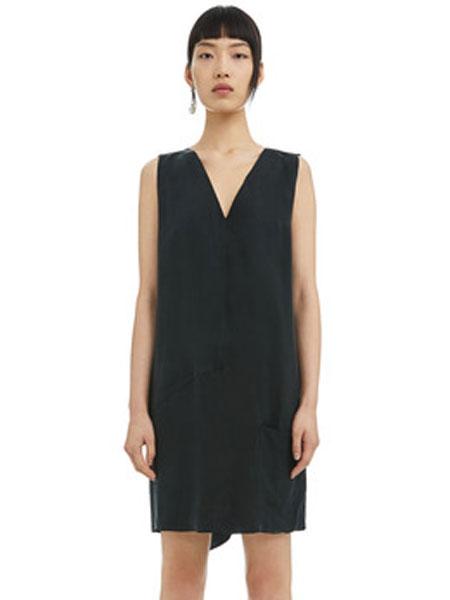 Bimba Y Lola女装品牌2019春夏新款黑色无袖v领宽松版连衣裙