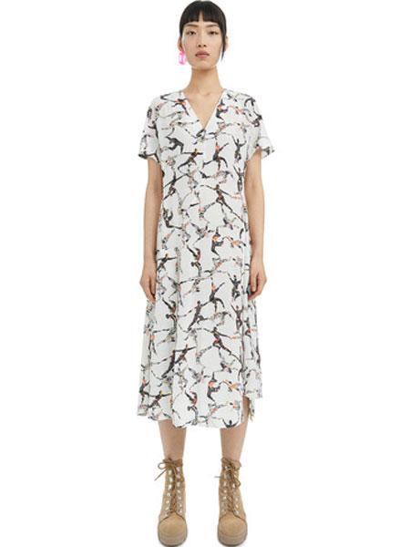Bimba Y Lola女装品牌2019春夏新款白色度假风v领印花连衣裙