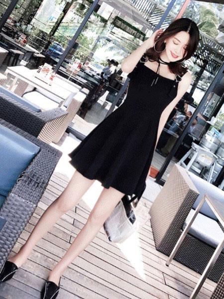 慕街女装品牌2019春夏新款韩版潮显瘦无袖连衣裙小黑裙学生修身高腰吊带裙