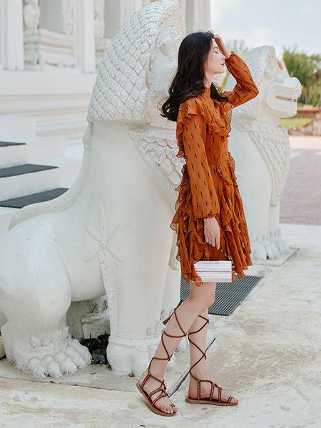搜美女装品牌2019春夏新款韩版清新气质淑女连衣裙
