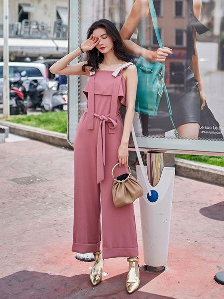 搜美女装品牌2019春夏吊带连体裤新款撞色织带