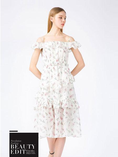 蒂蒂卡娜女装品牌2019春夏新款V领露肩荷叶边短袖印花连衣裙