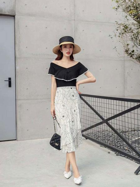 M+女装品牌2019春夏新款简约抽象条纹气质套装