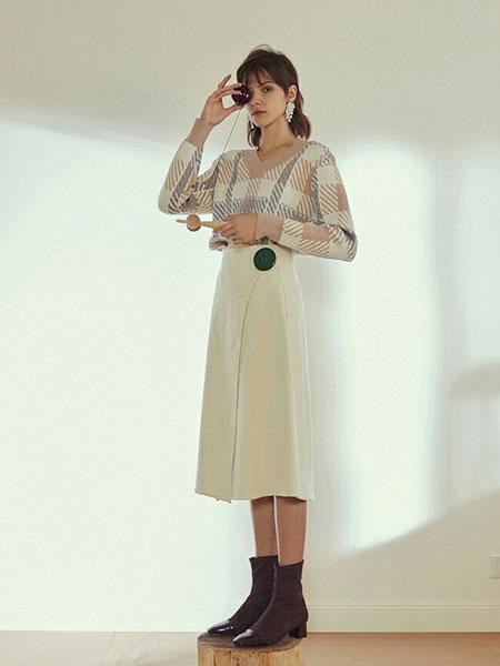 YU ONE女装品牌新款韩版甜美学院风V领套头色织格纹毛衫