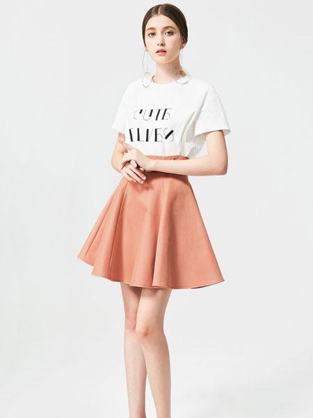 百袖女装品牌2019春夏新款韩版宽松百搭大码上衣潮