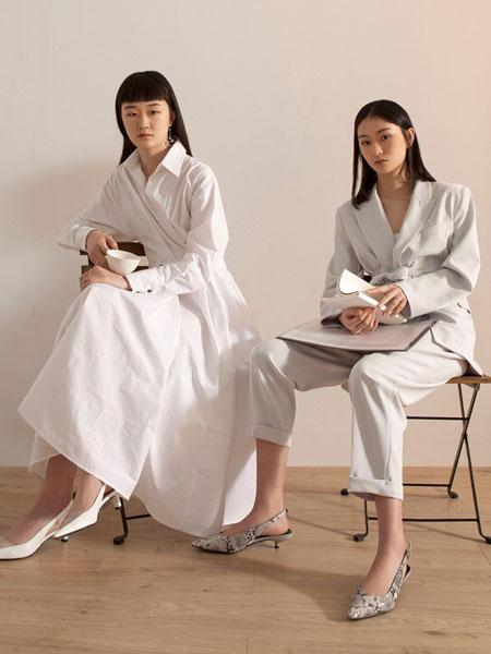 GAROSU女装品牌2019春季新款极简冷淡白色西服套装