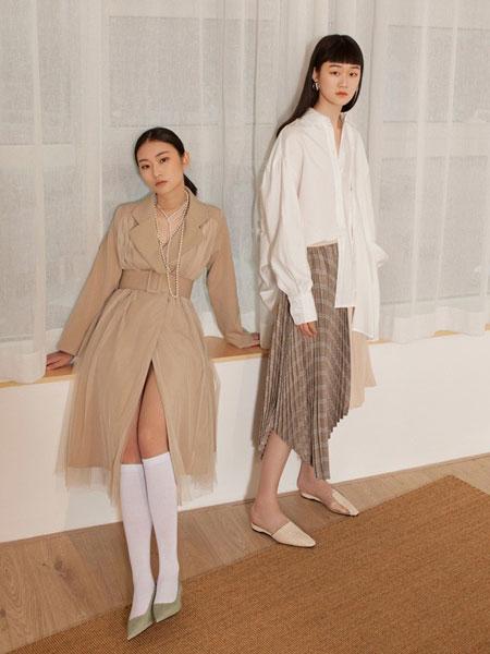 GAROSU女装品牌2019春季新款洋气网纱拼接收腰双排扣风衣中长款连衣裙