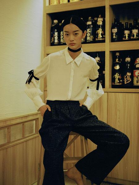 DooBo女装品牌2019春季新款韩范宽松百搭袖子系带白色喇叭袖系带衬衫