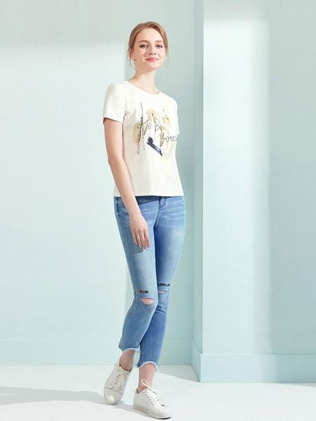 娜尔思女装品牌2019春夏新款白色宽松字母圆领简约短袖套头上衣