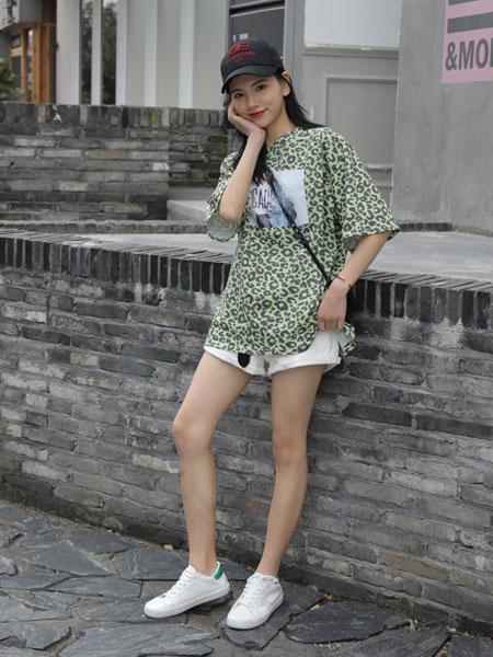 爱马丁女装品牌2019春夏新款韩版宽松时尚百搭中长款T恤