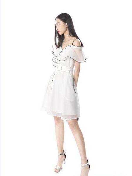 光线花园女装品牌2019春夏新款斜肩荷叶边一字领高腰修身短裙连衣裙