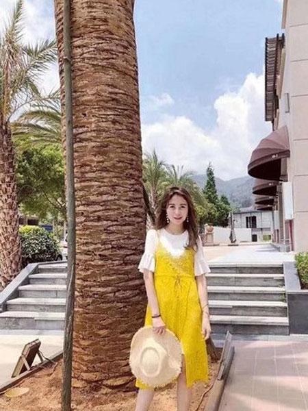 光线花园女装品牌2019春夏新款韩版时尚气质蕾丝吊带裙套装