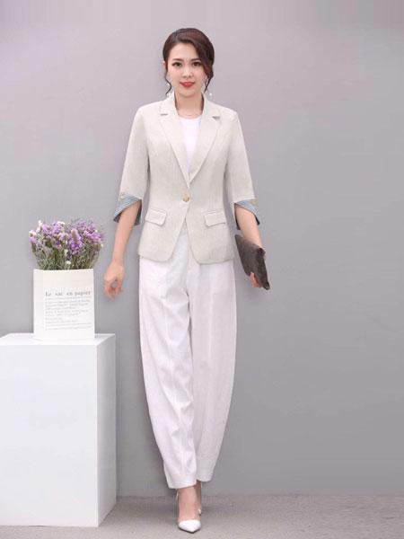 凡于女装品牌2019春夏新款七分袖短款休闲小西装外套女韩版