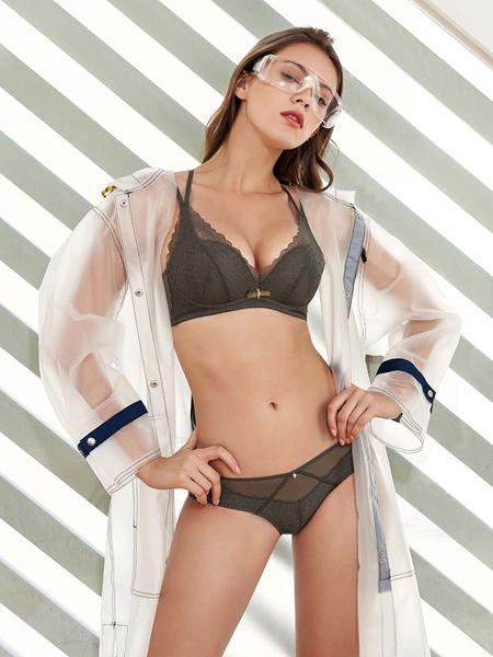 诱惑密码内衣品牌2019春夏无钢圈性感蕾丝聚拢收副乳防下垂上托文胸套装