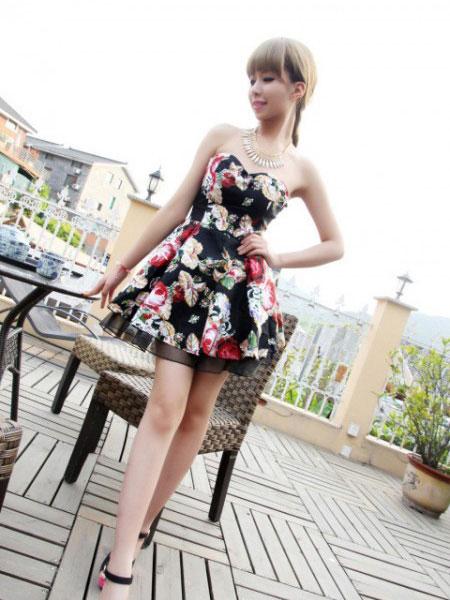 艾丽轩女装品牌2019春夏新款甜美可爱蓬蓬公主裙性感收腰抹胸裹胸连衣裙