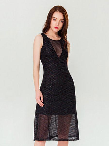 达丽坊女装品牌2019春夏新款休闲连衣裙性感深V领设计裙子网纱罩衫假两件