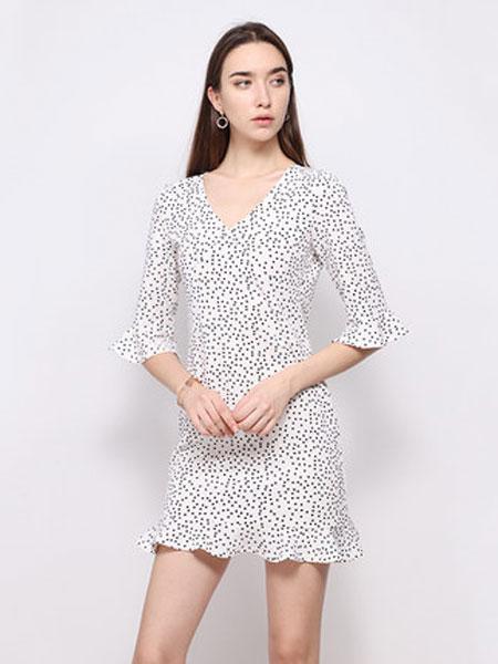 达丽坊女装品牌2019春夏新款雪纺印花波点连衣裙荷叶边袖口V领气质裙子