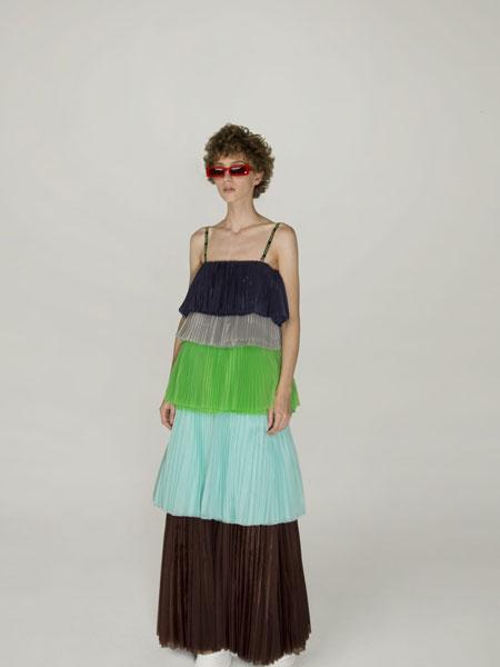 Annakiki女装品牌2019春夏新款时尚优雅休闲吊带连衣裙