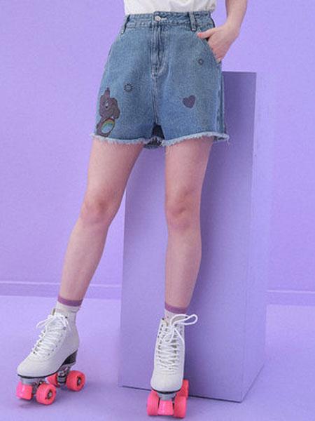 TYAKASHA塔卡沙女装品牌2019春夏新款时尚水蓝青色牛仔印花短裤