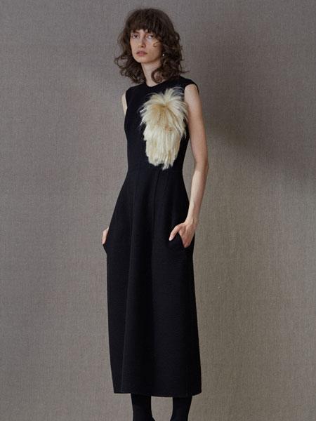 QIUHAO设计师品牌女装品牌2019春?#30007;?#27454;时尚复古修身显瘦无袖连衣裙