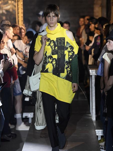 拉夫·西蒙男装品牌2019春夏新款时尚宽松不规则T恤上衣