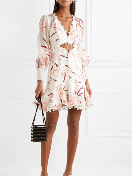 Matchless London女装品牌2019春夏新款性感气质显瘦镂空连衣裙