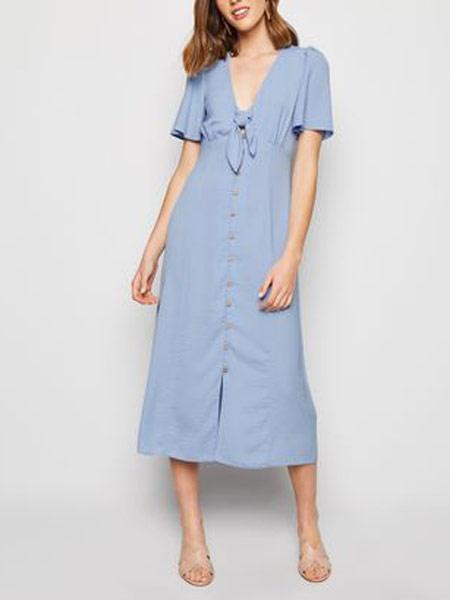 Doo.Ri杜里女装品牌2019春夏新款超美简约文艺风V领气质收腰中长款大摆度假长裙