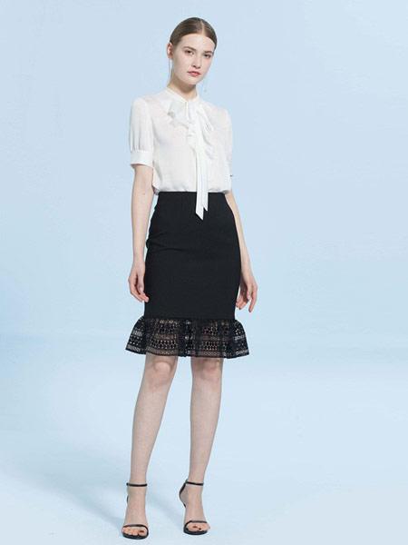 CAROLINE卡洛琳女装品牌2019春夏新款蕾丝拼接鱼尾包臀半身裙