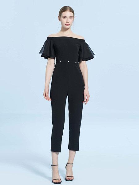 CAROLINE卡洛琳女装品牌2019春夏新款时尚一字领钉珠网纱拼接连体裤