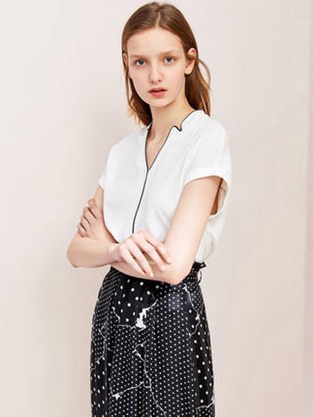 拉夏贝尔女装品牌2019春夏新款气质v领时尚职业短袖白衬衫宽松洋气衬衣