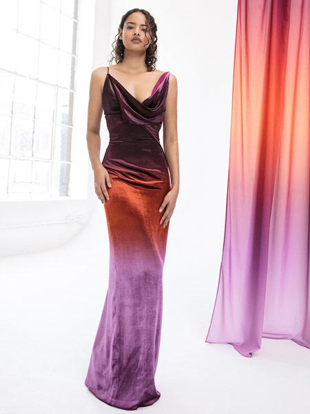 芮瑟芙女装品牌2019春夏新款时尚气质连衣裙V领性感派对大露背礼服