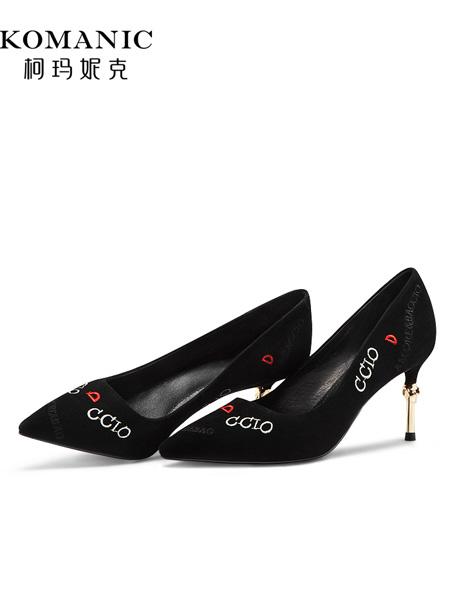 柯玛妮克鞋帽/领带品牌2019春夏新款韩版时尚单鞋绒面尖头细跟高跟鞋浅口个性字母