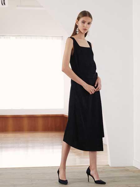 YINYI因一女装品牌2019春夏新款时尚黑色显瘦无袖背心裙长款A字内搭吊带连衣裙